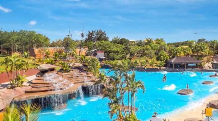 Thermas dos Laranjais é um dos melhores parques aquáticos do Brasil