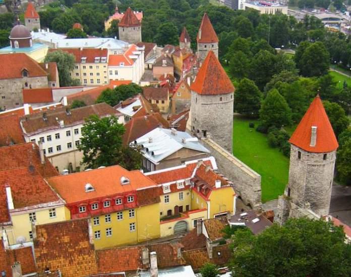 Tallinn na Estônia é uma das cidades medievais que farão você viajar de volta no tempo