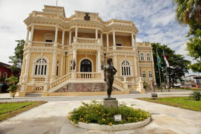Palácio Rio Negro é um dos melhores pontos turísticos do Amazonas