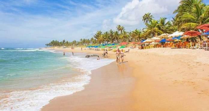 Praia Stella Maris é uma das melhores praias de Salvador