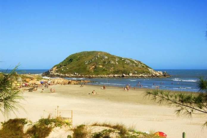 Praia da Vila é uma das melhores praias de Imbituba