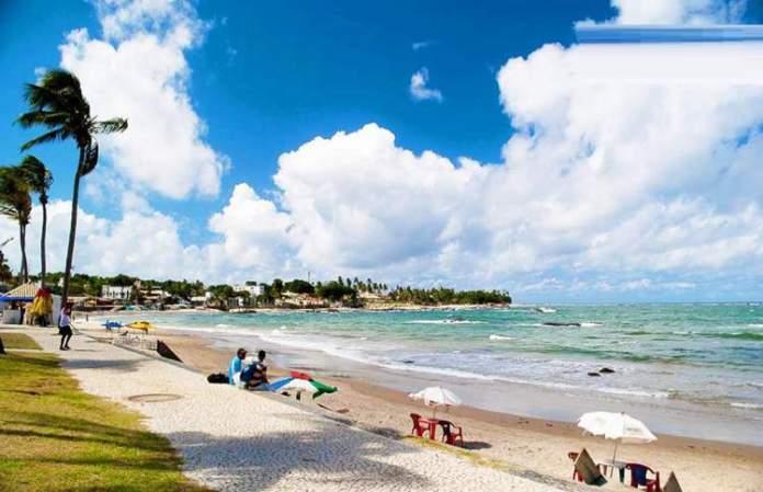 Praia de Itapuã é uma das melhores praias de Salvador