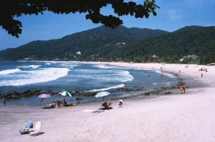 Praia de São Pedro é uma das melhores praias do Guarujá