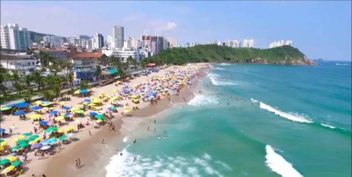 Praia do Tombo é uma das melhores praias do Guarujá