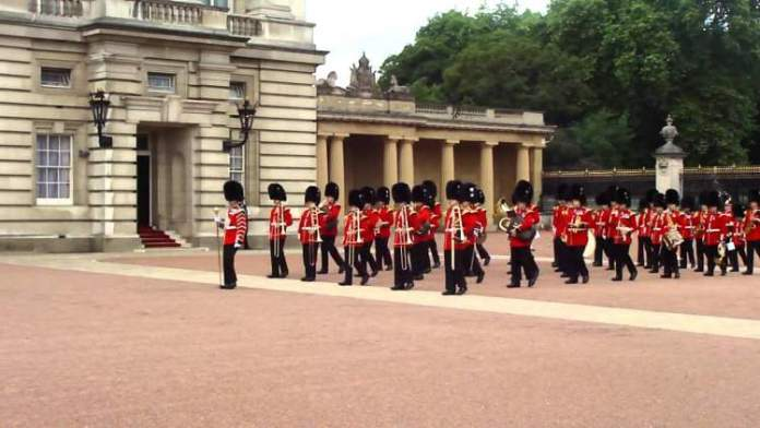 Troca de Guarda Real é uma das Atrações Gratuitas em Londres