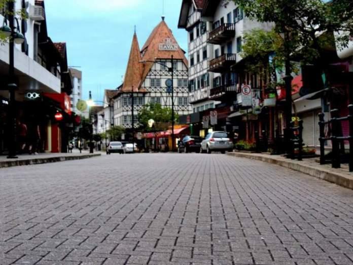 Blumenau é uma das melhores cidades para criar os filhos no Brasil
