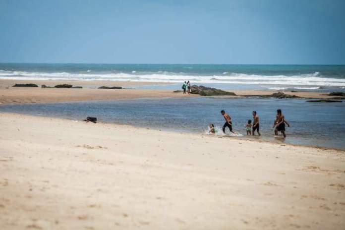 Caça e Pesca é uma das praias mais lindonas de Fortaleza