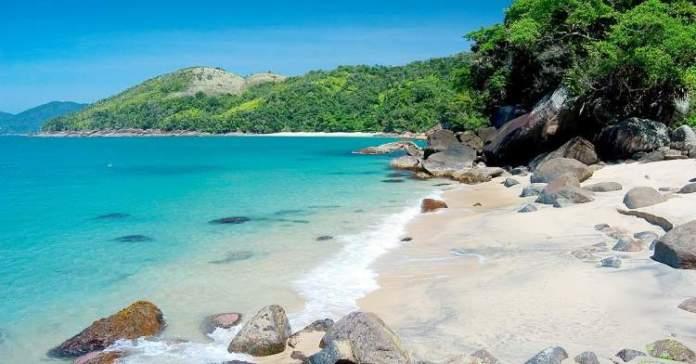 Praia do Cedro em Ubatuba é uma das praias mais lindonas do Sudeste brasileiro