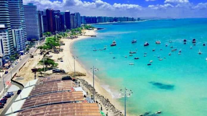 Praia do Futuro é uma das praias mais lindonas de Fortaleza