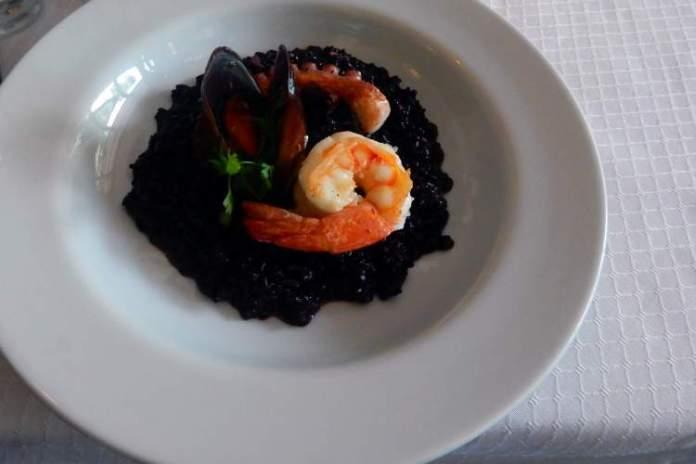 Conhecer a gastronomia local é uma das dicas para quem vai viajar a Barcelona