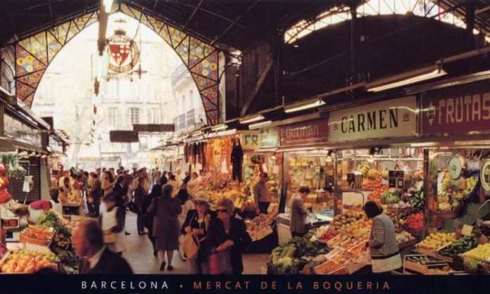 Conhecer o Mercat de La Boqueria é uma das dicas para quem vai viajar a Barcelona