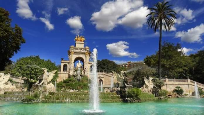 Conhecer o Parc de la Ciutadella é uma das dicas para quem vai viajar a Barcelona