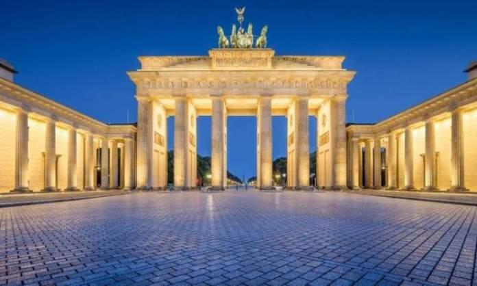 Conhecer o Portão de Brandemburgo é uma das dicas para quem vai viajar a Berlim