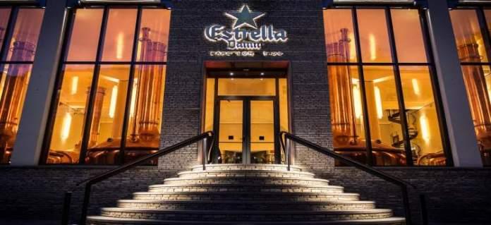Fábrica antiga da Cerveja Estrella Damm é uma das atrações gratuitas em Barcelona