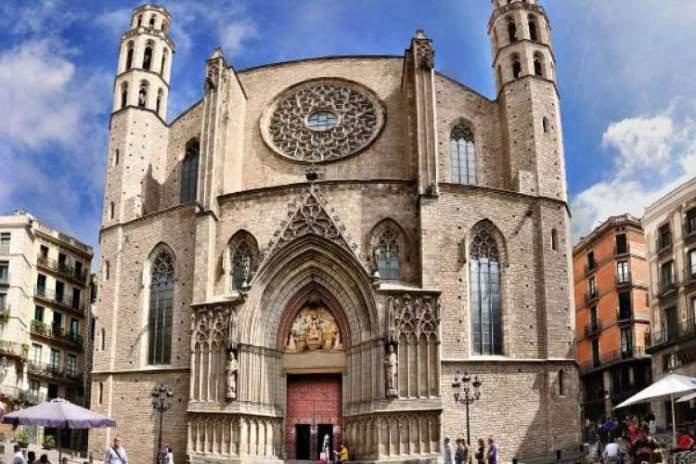 Igreja Santa Maria del Mar é uma das atrações gratuitas em Barcelona
