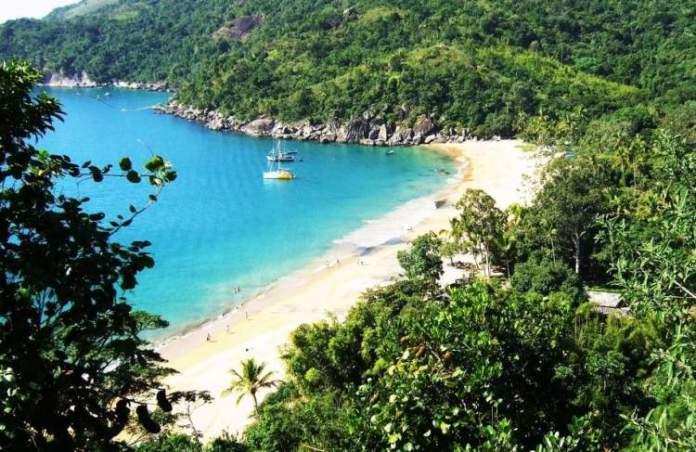 Ilha Bela é um dos destinos românticos para o dia dos Namorados