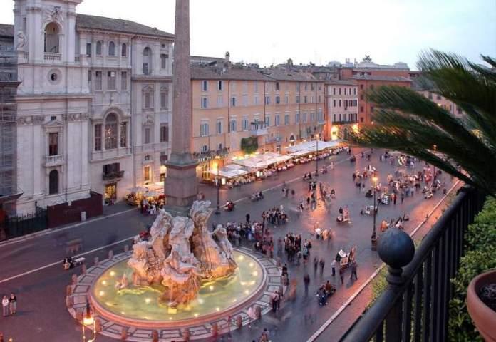 Piazza Navona é uma das atrações gratuitas em Roma