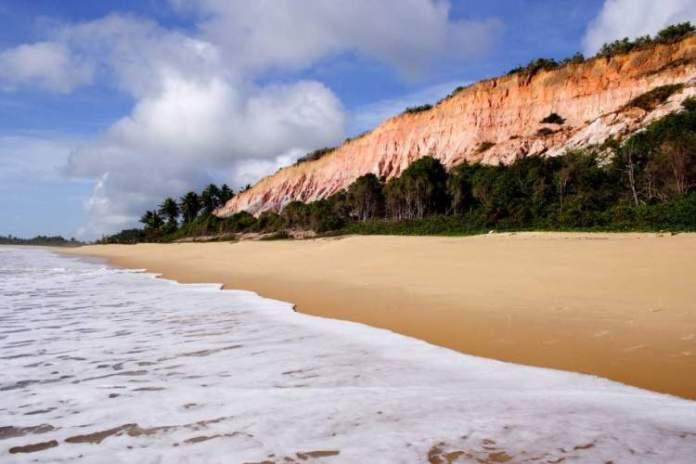 Praia do Rio da Barra é uma das praias mais lindonas da Bahia