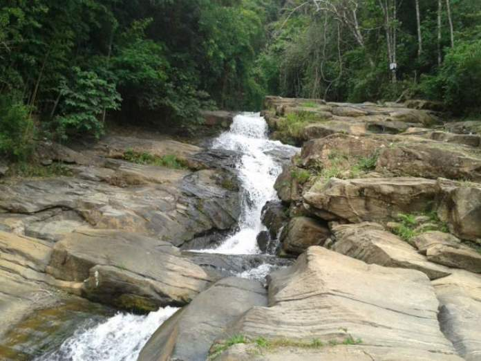 Cachoeira do Santinho em Santana dos Montes