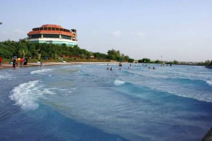 Dreamworld Fun Lagoon tem uma das Maiores Piscinas do Mundo