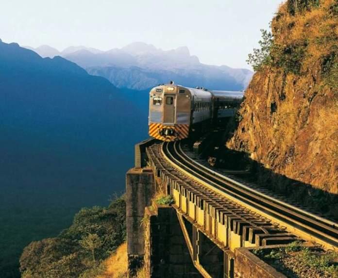 Fazer a viagem de trem de Curutiba a Morretes é um dos passeios pelo Brasil que ficam ainda melhores no frio