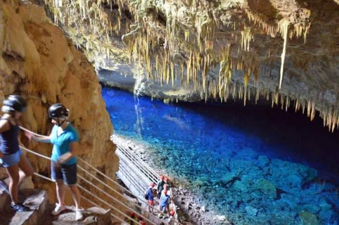 Gruta do Lago Azul é um dos Destinos no Brasil com Águas Cristalinas