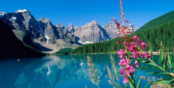 Montanhas Rochosas é um dos lugares impressionantes no Canadá