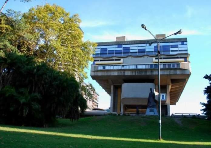 Biblioteca Nacionalé uma das atrações turísticas em Buenos Aires
