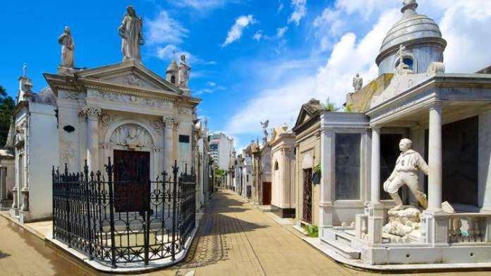 Cemitério da Recoleta é uma das atrações turísticas em Buenos Aires