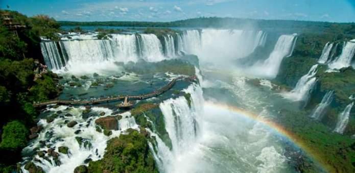 Foz do Iguaçu é um dos destinos no Brasil baratos para viajar nas férias