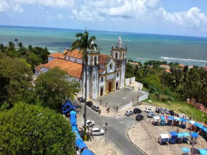 Olinda é um dos destinos no Brasil baratos para viajar nas férias