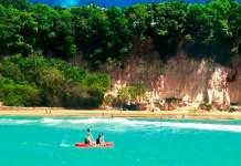 destinos com praia para quem ama se exercitar