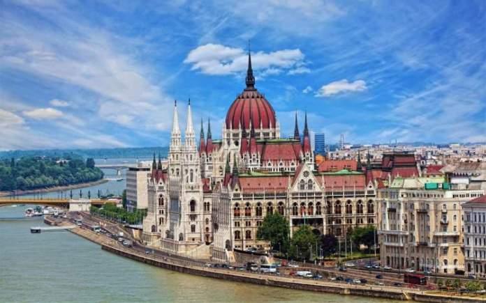 Budapeste é um dos destinos baratos para viajar no exterior