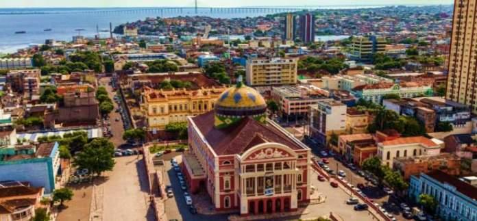 Manaus é um dos destinos no Brasil baratos para viajar nas férias