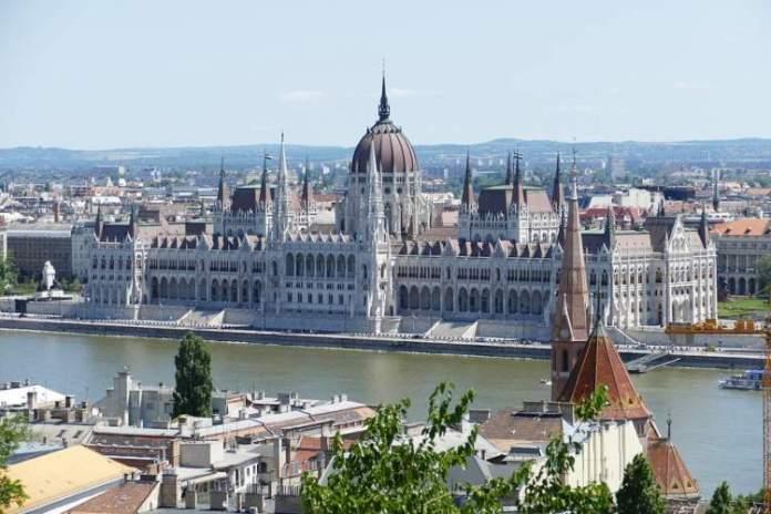 Budapeste é um dos destinos baratos para viajar pela Europa em 2019