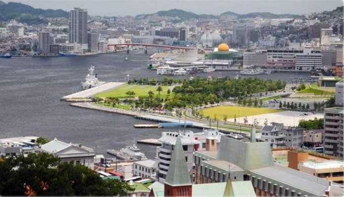 Nagasaki no Japão é um dos lugares deslumbrantes na Ásia