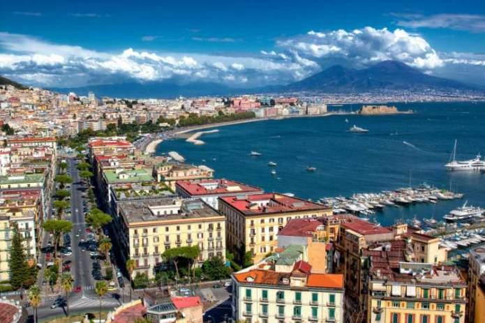 Nápoles na Itália é um dos destinos baratos para conhecer na Europa