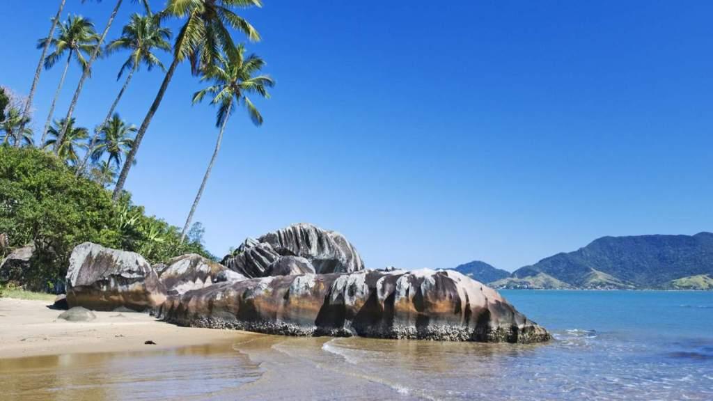 Praia Pedra do Sino em Ilhabela - São Paulo