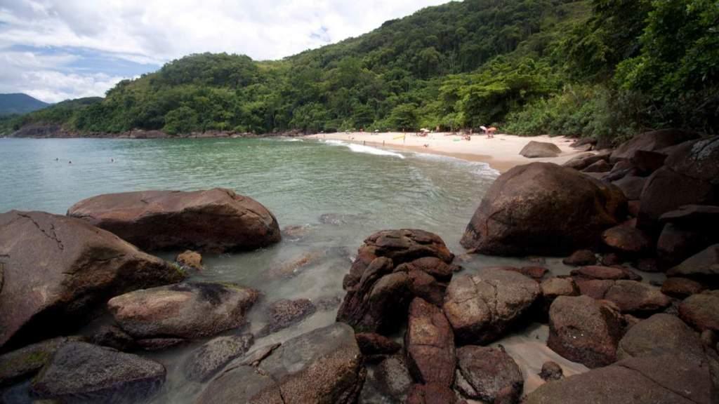 Praia do Alto é uma das praias desertas em Ubatuba - São Paulo