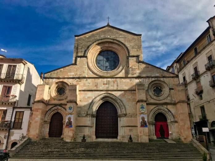 Catedral de Cosenza, século XI, reconhecida desde 2011 como patrimônio cultural da paz pela UNESCO.