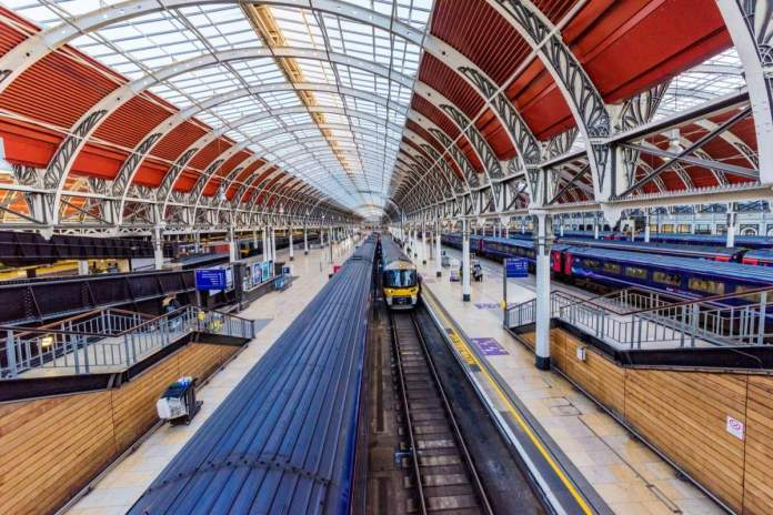 Peddington é a estação que leva a Bath, uma das cidades para conhecer pertinho de Londres