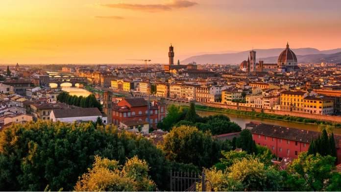 Pôr do sol em Florença, Itália.