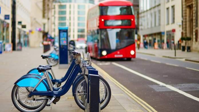Bicicleta é um dos meios de transporte em Londres - Inglaterra