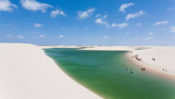Circuito da lagoa azul nos Lençóis Maranhenses