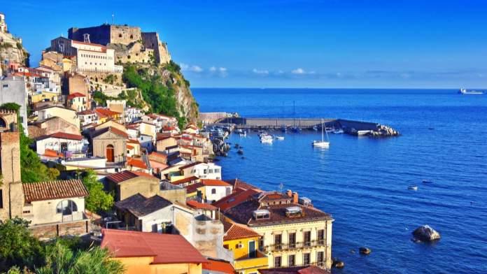 A cidade de Scilla, na província de Reggio Calábria, Itália.