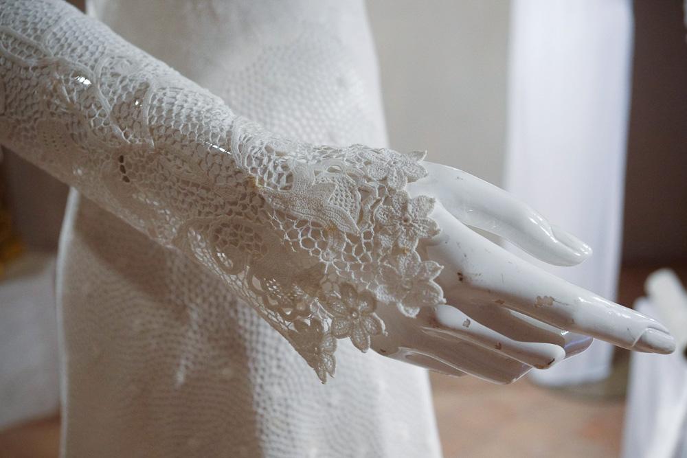 lace bride gown