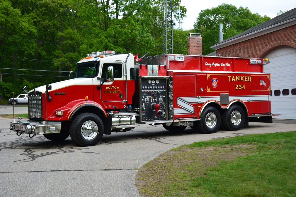 medium resolution of tanker 234 t234 is a 2017 us tanker heritage body on a kenworth t800 chassis it has a 1 500 gpm waterous pump 3 000 gallon water tank tanker shuttle