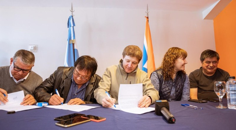 También con sumas fijas, el gobierno fueguino llegó a un acuerdo salarial con los estatales