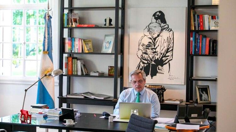 El Presidente sigue el operativo de crisis desde su oficina en la Quinta de Olivos