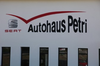 Freehand Logo SEAT Petri car shop, Hofheim 2014